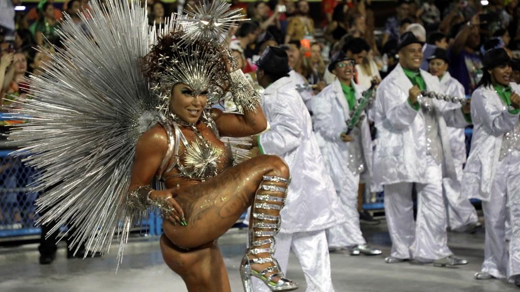 Suspenden Carnaval de Río de Janeiro por pandemia de coronavirus - Carnaval de Río de Janeiro. Foto de EFE