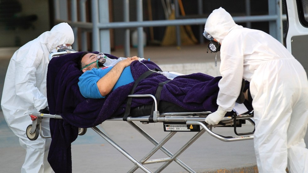 México vivió el tercer peor día de contagios por COVID-19; registró en las últimas 24 horas más de 21 mil contagios y mil 440 muertes - Foto de EFE