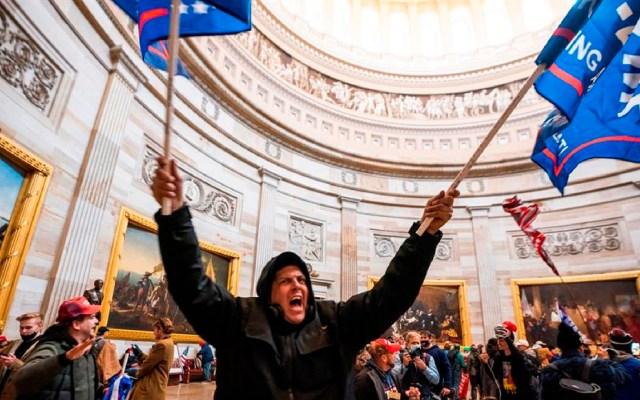 Murió policía del Capitolio de EE.UU. tras disturbios; suman cinco víctimas - Con indignación, famosos de EE.UU. condenan asalto al Capitolio. Foto EFE