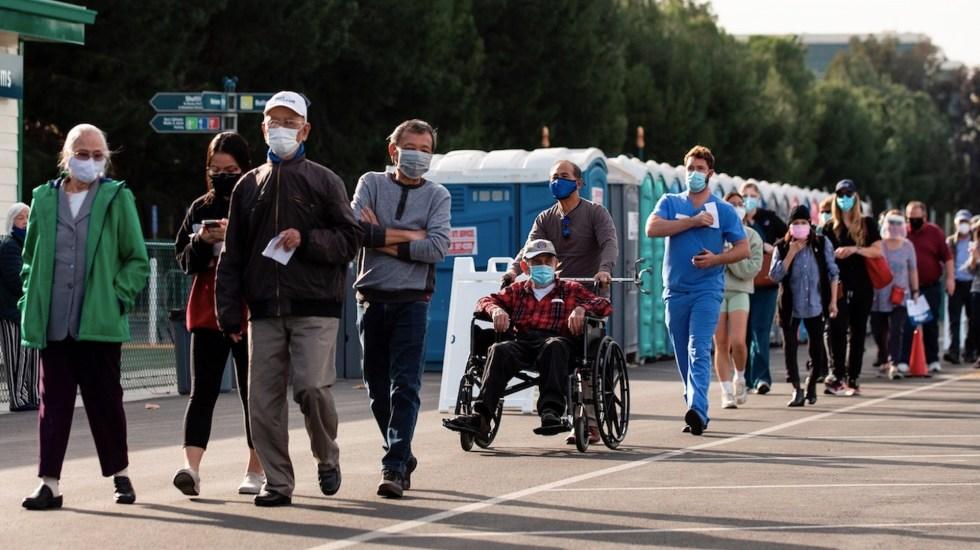 EE.UU. promedia 3 mil 300 muertes diarias en la última semana tras otro récord - Foto de EFE