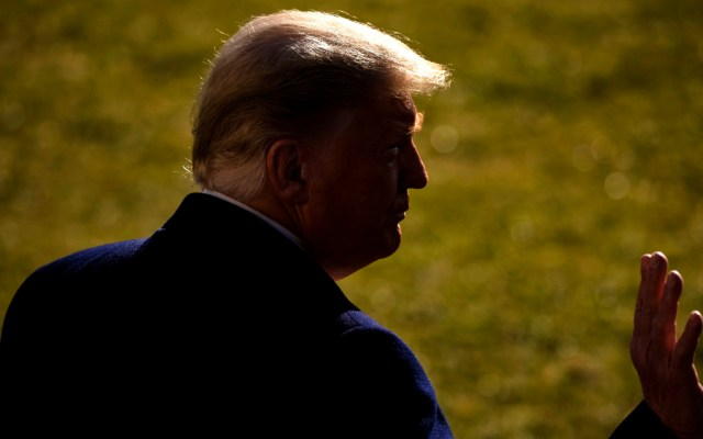 Trump se queda sin apoyo empresarial y pone en peligro el futuro de su marca - Foto de EFE