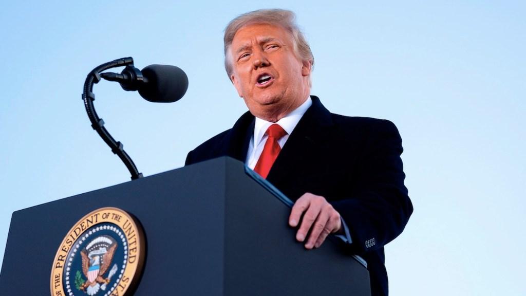 Donald Trump, el presidente incendiario que lo quemó todo antes de irse - Foto de EFE