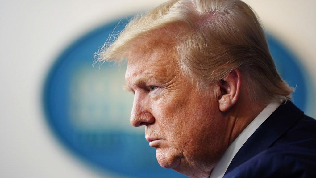 """Trump se asoma a segundo """"impeachment"""", un mes después de asalto al Capitolio - Donald Trump en la Casa Blanca. Foto de EFE / Archivo"""