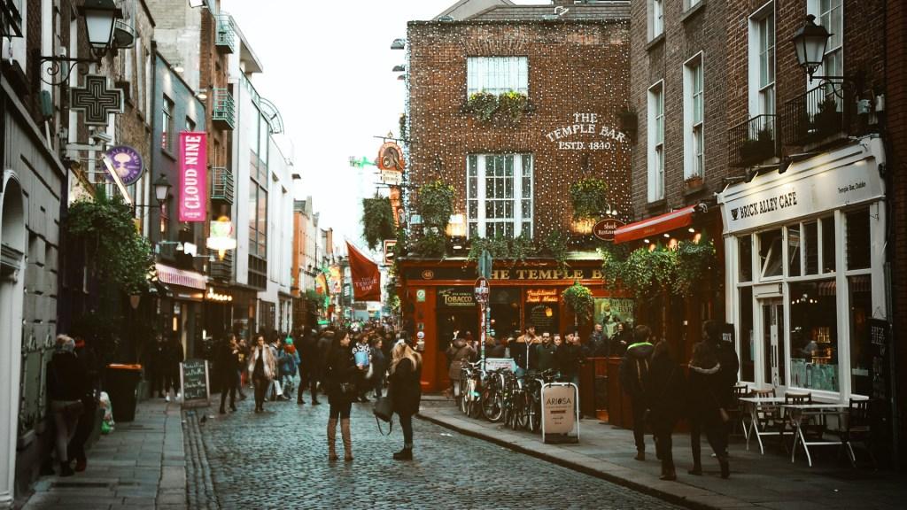 Cepa británica provoca casi la mitad de los nuevos casos de COVID-19 en Irlanda - Dublín, Irlanda. Foto de Diogo Palhais / Unsplash