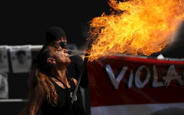 Feministas exigen a autoridades capitalinas que hagan justicia en casos de violación y desaparición - Colectivos feministas y víctimas exigieron este lunes a las autoridades mexicanas con una protesta que hagan justicia en casos de violación y desaparición de mujeres en el país. Foto de EFE/Sáshenka Gutièrrez