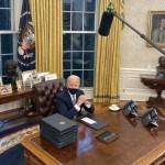 Biden firma primeras órdenes ejecutivas. Detiene el muro fronterizo, regresa al Acuerdo de París y a la OMS