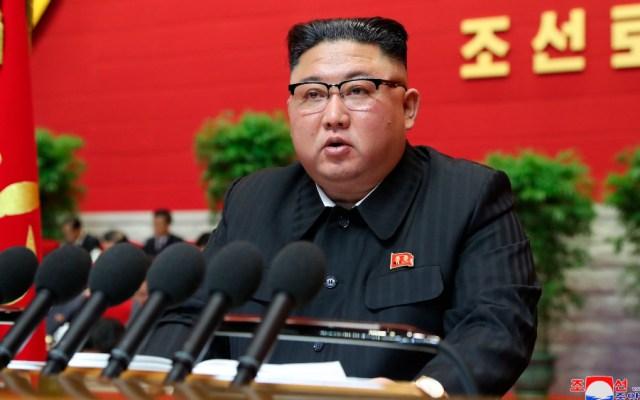 Kim Jong-un subraya a EE.UU. como enemigo y promete un mayor desarrollo de sus armas - Foto de EFE