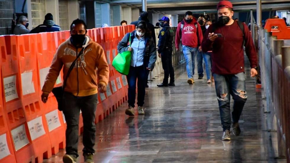 OCDE estima crecimiento económico para México de 4.5 % en 2021 - Línea 1 del Metro de la Ciudad de México