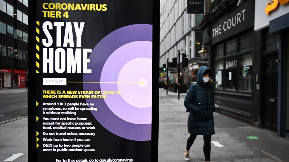 Boris Johnson anuncia endurecimiento de las restricciones por COVID-19 - Llamado a quedarse en casa en Reino Unido por pandemia de COVID-19. Foto de EFE