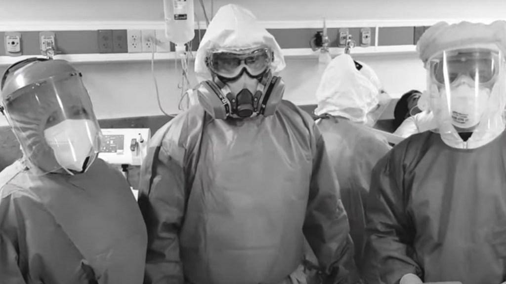 """#Video """"Por favor, ayúdanos a que esto acabe"""", médicos del IMSS hacen llamado a la población a permanecer en casa - Captura de pantalla"""