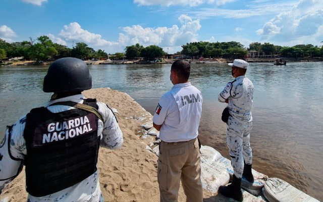 México restringe paso de guatemaltecos por posible llegada de caravanas migrantes - México restringe paso de guatemaltecos por posible llegada de caravanas migrantes. Foto Twitter @INAMI_mx