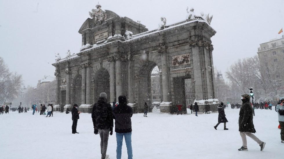 Un temporal causa dos muertos en España y colapsa Madrid con una gran nevada - Foto de EFE