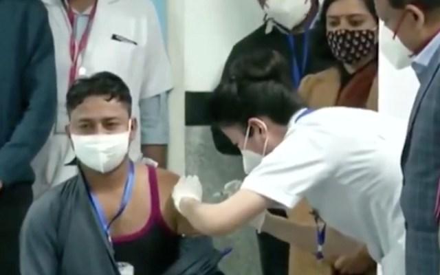 """#Video India inicia """"la campaña vacunación más grande del mundo"""" contra COVID-19 - Captura de pantalla"""