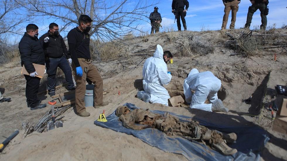 Suman 2 mil 935 cuerpos recuperados de fosas clandestinas en México - Recuperación de cuerpos en fosas clandestinas halladas en Ciudad Juárez, Chihuahua. Foto de EFE