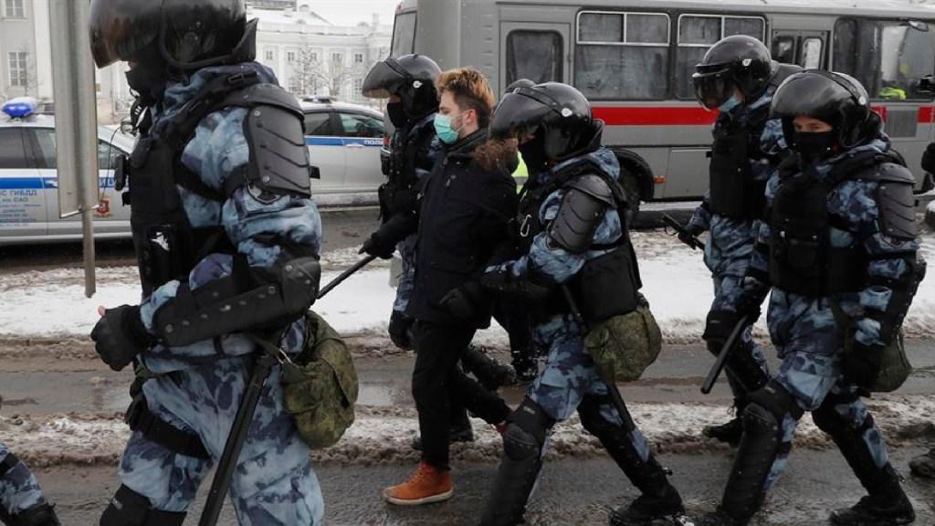 Rusia exige a EE.UU. que deje de interferir tras condena a detenciones violentas - Rusia exige a EE.UU. que deje injerencismo por condena a detenciones violentas. Foto EFE