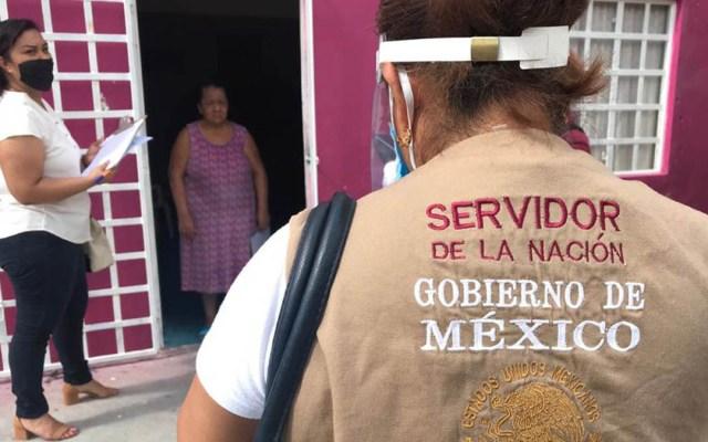Servidores de la Nación: Tribunal ordena revisar expediente y determinar si constituyen promoción de AMLO - Servidores de la Nación en campo. Foto de Municipio de Comalcalco