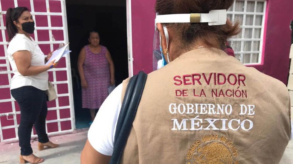 """Defiende Sánchez Cordero a 'Servidores de la Nación' en Brigadas COVID-19; """"ellos conocen los lugares"""", dice - Servidores de la Nación en campo. Foto de Municipio de Comalcalco"""