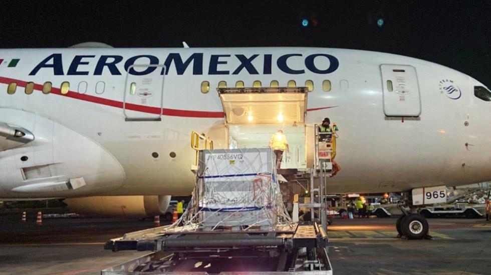 Llega a México sustancia activa de vacuna de AstraZeneca; será envasada en Edomex - Foto de Aeroméxico