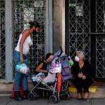 Un mes de trabajo en Venezuela es un sueldo de 55 dólares - Foto de EFE