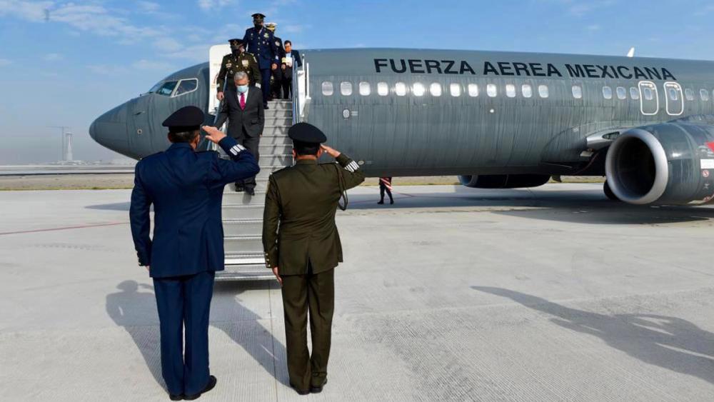 López Obrador estrena las pistas de su aeropuerto emblemático - Foto de @M_OlgaSCordero