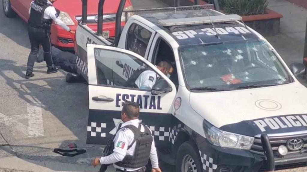 Ataque armado en inmediaciones del Semefo de Orizaba deja dos policías muertos y dos heridos - Foto de Televisa Veracruz