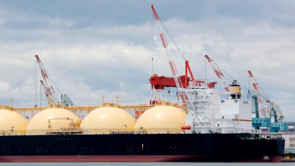 Gobierno de Texas reanudará exportaciones de gas natural - Buque de gas natural. Foto de Endesax