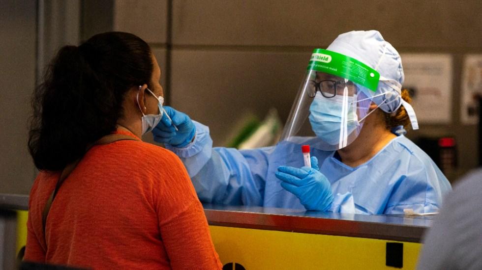 EE.UU. suma dos mil 98 muertes y 100 mil 747 nuevos contagios por COVID-19 - Foto de EFE