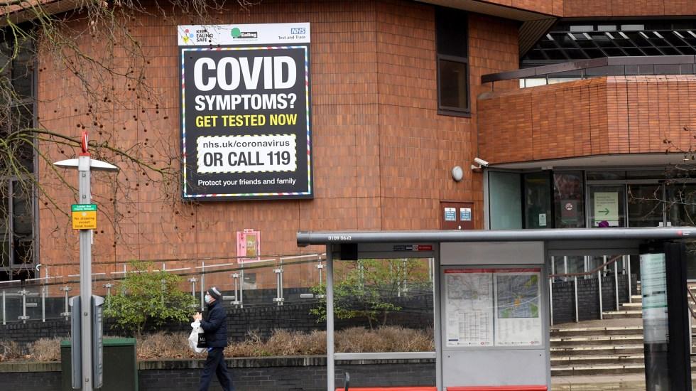 Reino Unido supera los 10 millones de personas vacunadas contra COVID-19 - Centro de pruebas COVID-19 en Reino Unido. Foto de EFE