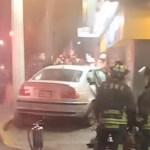 Conductor prensa a pareja contra puerta de Oxxo en la GAM; amputa pierna a joven