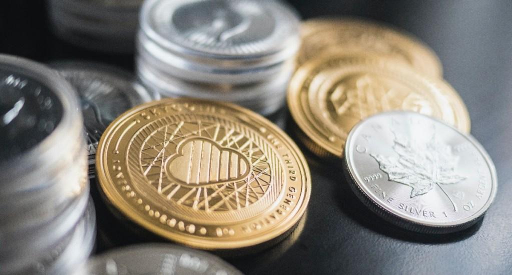 Criptomoneda ether alcanza nuevo máximo histórico mientras baja el bitcoin - Criptomonedas dinero divisas