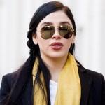 Emma Coronel pasa encerrada 22 horas al día, denuncia abogada