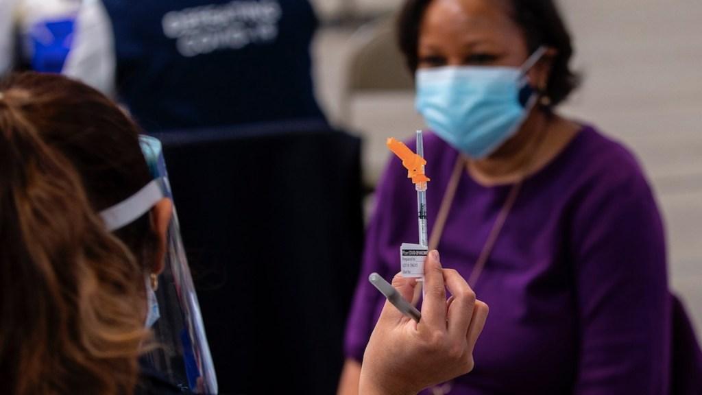Estados Unidos acumula 510 mil 134 muertes y 28 millones 481 mil 239 contagios por COVID-19 - Foto de EFE