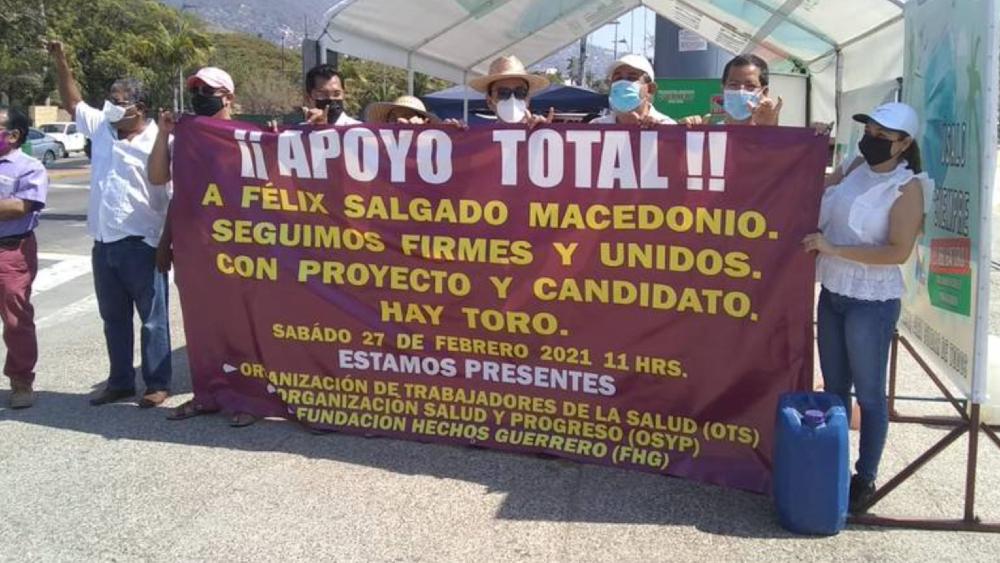 En Acapulco, ciudadanos manifiestan su apoyo a Félix Salgado Macedonio - Foto de El Sol de Acapulco
