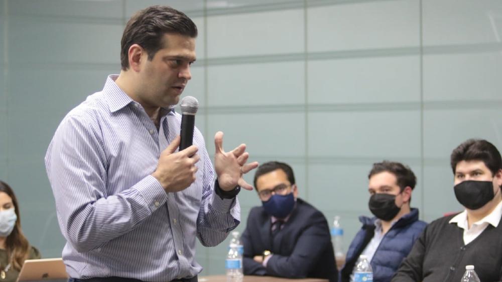 """""""Que no se haga la víctima"""": Francisco Cienfuegos rechaza estar detrás de guerra sucia contra Colosio Riojas - Foto de Francisco Cienfuegos"""