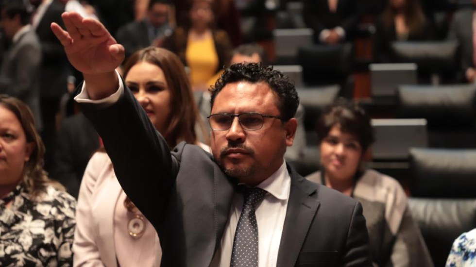 Murió Gustavo Pérez, comisionado de Cofece, por COVID-19 - Foto de @CanalCongreso