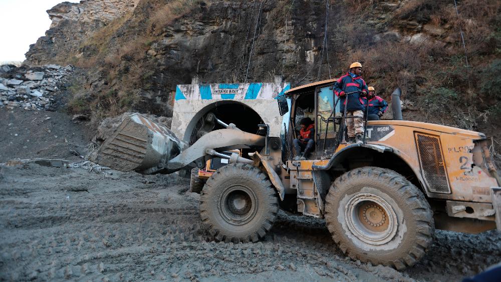 India apura las tareas de rescate tras una avalancha con 170 desaparecidos - Foto de EFE