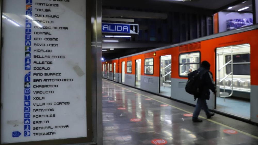 Hoy reinicia operaciones la Línea 2 del Metro en CDMX - Foto de @Claudiashein
