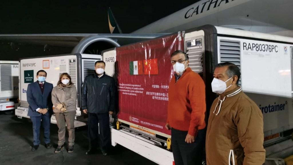Llegan a México 800 mil dosis de vacuna Sinovac contra COVID-19 - Foto de Twitter Marcelo Ebrard