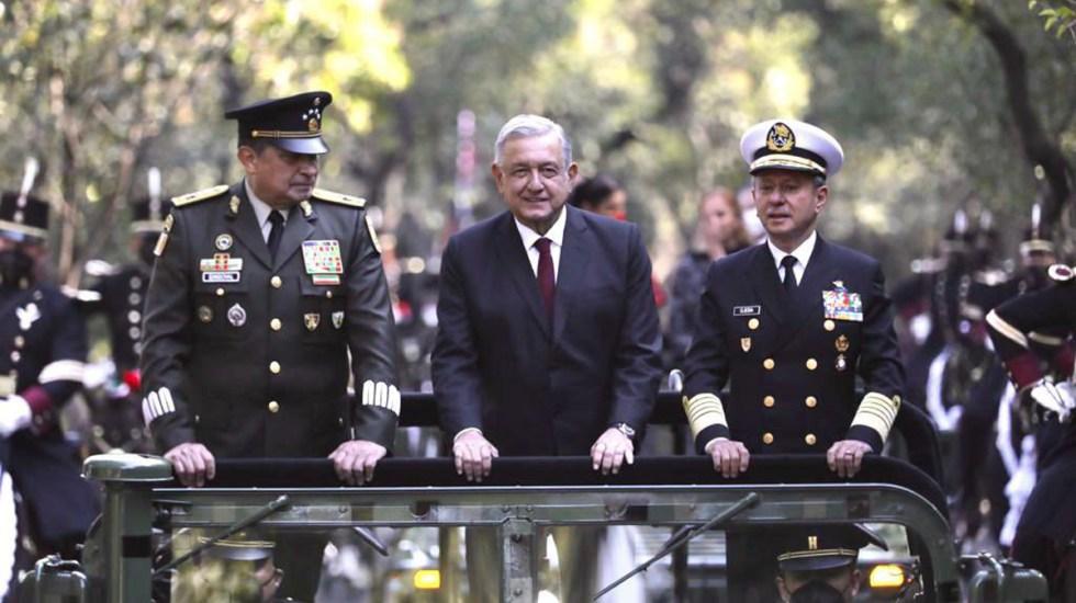 Fuerzas Armadas refrendan lealtad absoluta al presidente López Obrador - López Obrador con titulares de la Sedena y Semar. Foto de @GobiernoMX