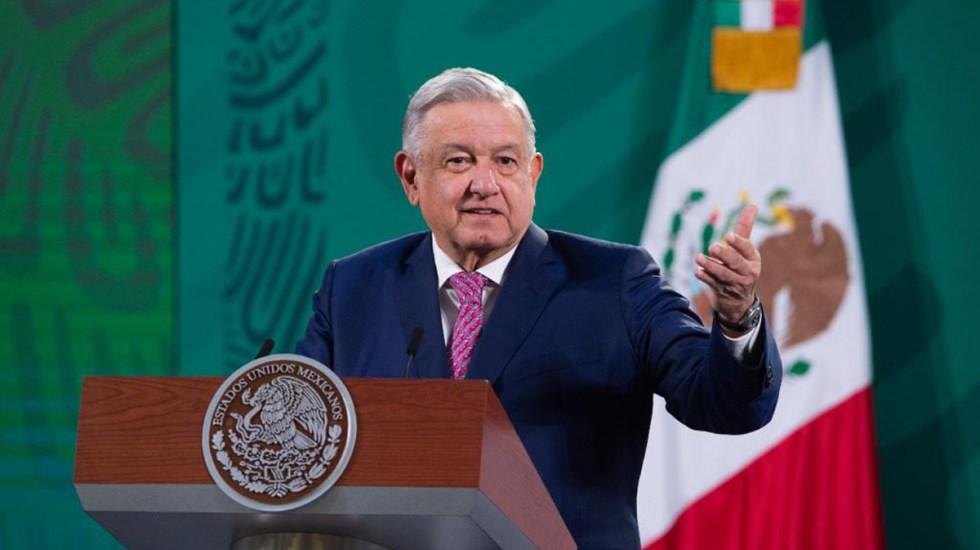 Estos son los médicos que trataron a López Obrador por COVID-19 - López Obrador en conferencia de prensa tras recuperarse de COVID-19. Foto de Gobierno de México
