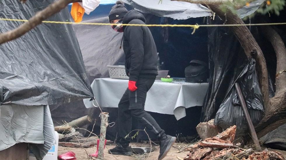 Reapertura de casos de asilo en Estados Unidos genera ilusión e incertidumbre entre migrantes - Migrantes centroamericanos permanecen este en campamento ubicado a orillas del río Bravo, en la ciudad de Matamoros en la ciudad de Tamaulipas (México). Foto de EFE/Abraham Pineda-Jacome
