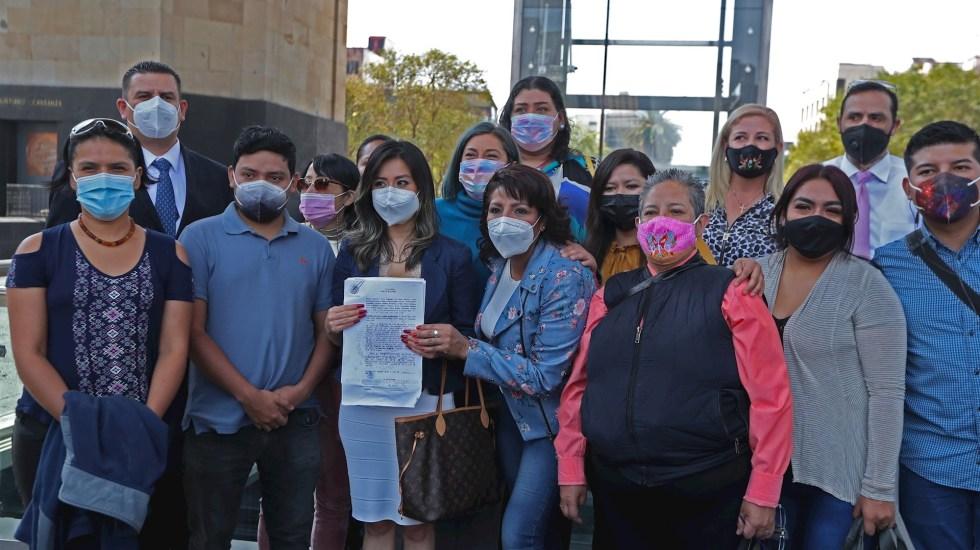 Padres de niños con cáncer exigen al Gobierno cumplir con sentencia que obliga a terminar con el desabasto - Padres niños con Cáncer Monumento a la Revolución