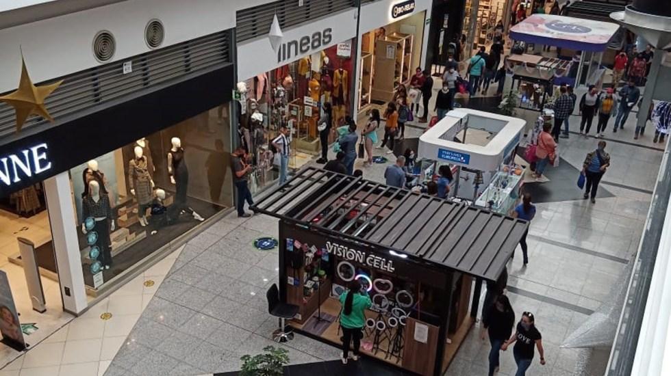 Avanza Edomex a Semáforo Naranja; amplían horario en restaurantes y centros comerciales - Plaza Las Américas en Ecatepec, Edomex, durante pandemia de COVID-19. Foto de López-Dóriga Digital
