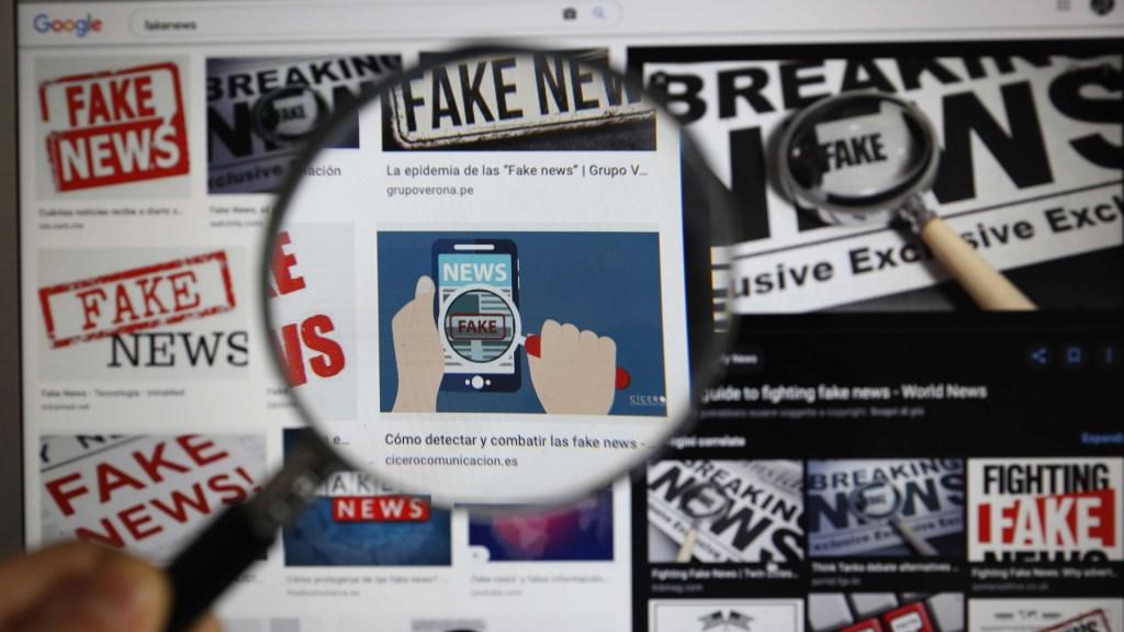 Frena comisión de Cámara de Diputados aprobación de dictamen sobre 'fake news' - Resultados de búsqueda de 'fake news' en imágenes de Google. Foto de EFE