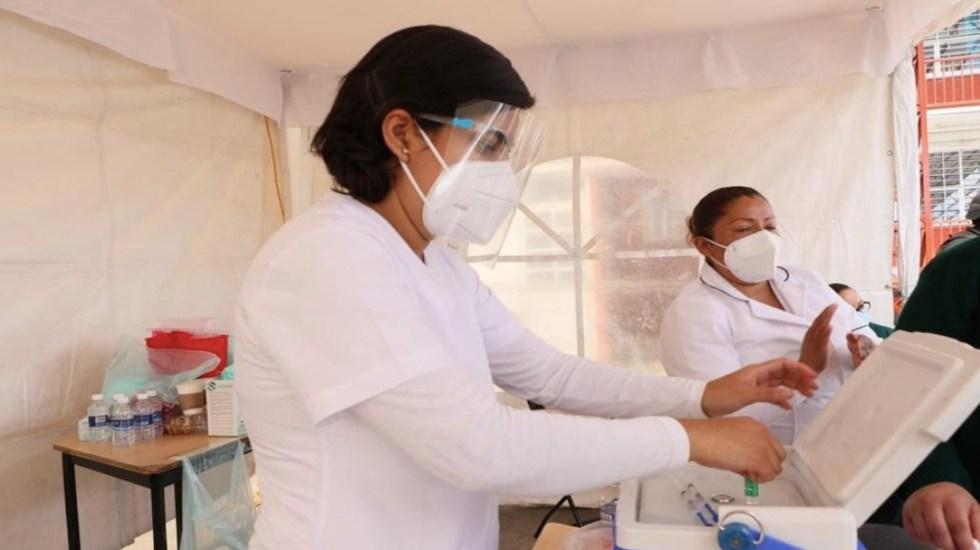 En tres días de vacunación contra el COVID-19 se han aplicado 76 mil 608 dosis a adultos mayores en la Ciudad de México - Foto de Gobierno de la Ciudad de México