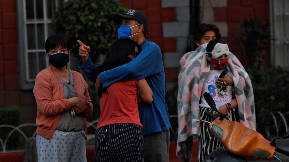 Claudia Sheinbaum pide renuncias tras errores en alerta sísmica - Foto de EFE
