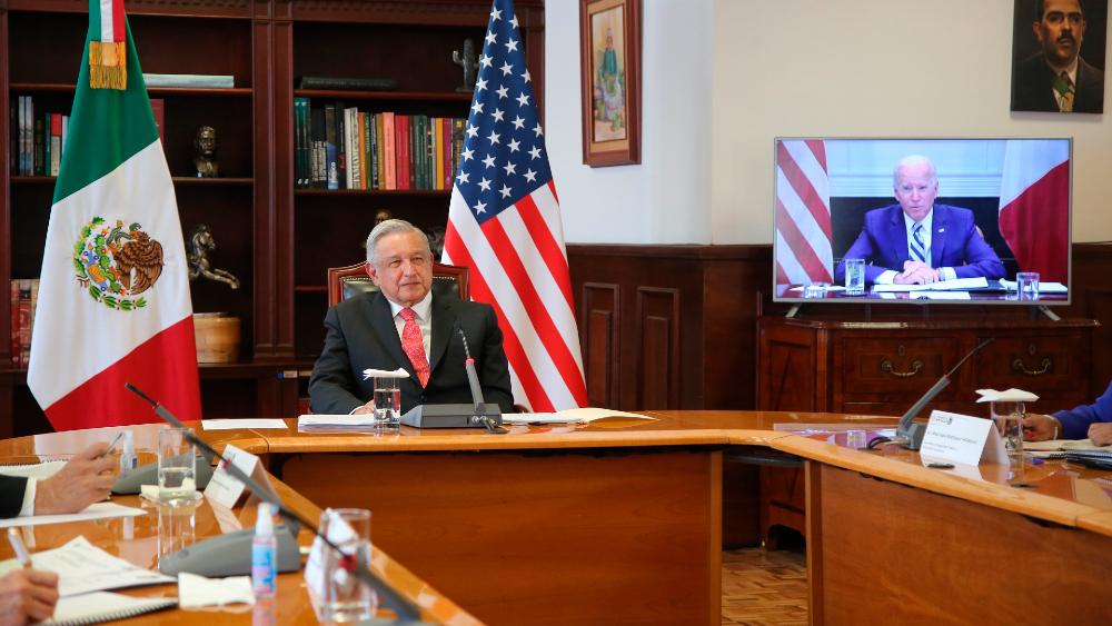 """Primer encuentro AMLO-Biden fue """"amistoso, relajado y sin enfrentamientos"""": Roberto Velasco - Foto de EFE"""