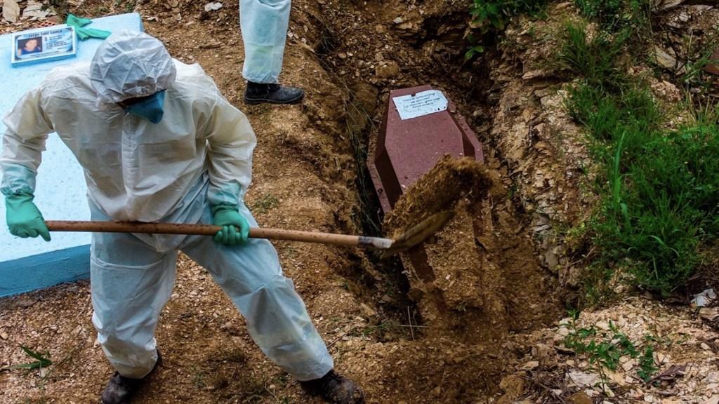 Brasil supera por primera vez las 2 mil 800 muertes diarias y bate nuevo récord - Foto de EFE