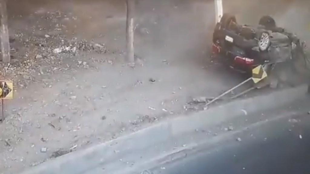 #Video Roban camioneta; terminan volcados sobre la Texcoco-Lechería y detenidos - Camioneta de lujo Accidente robo Texcoco Lechería