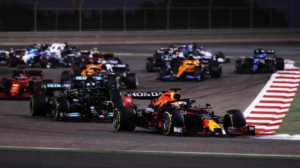 Reflejos del Gran Premio de Bahréin 2021 - 'Checo' Pérez durante GP de Baréin. Foto de @redbullracing